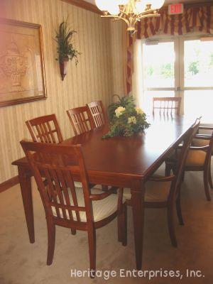 Dining Room Table | Evergreen Place - Alton, Illinois