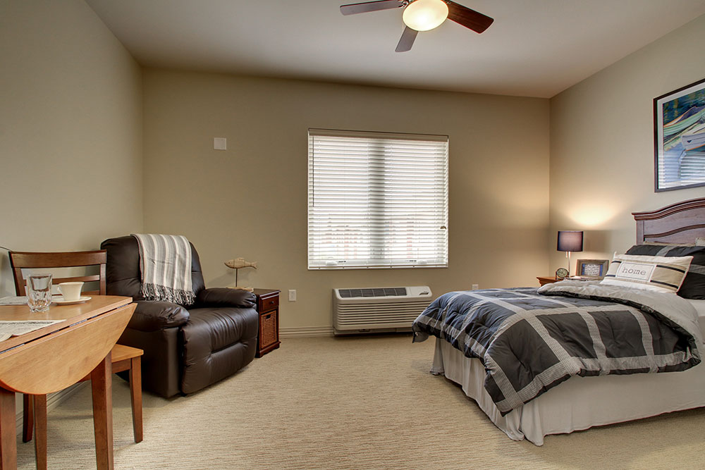 Bedroom | Evergreen Senior Living - Chillicothe, Illinois