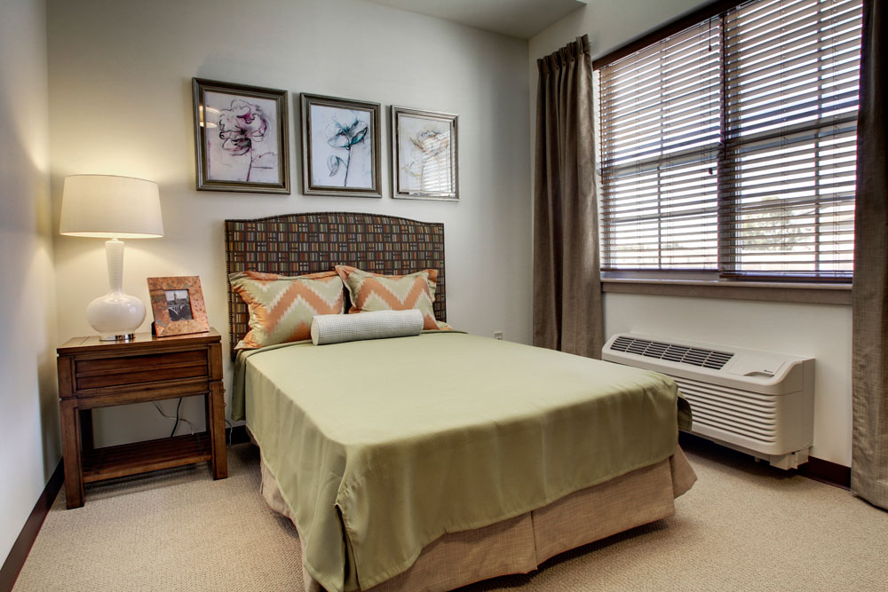 Bedroom | Evergreen Crossing - Indianapolis, Indiana