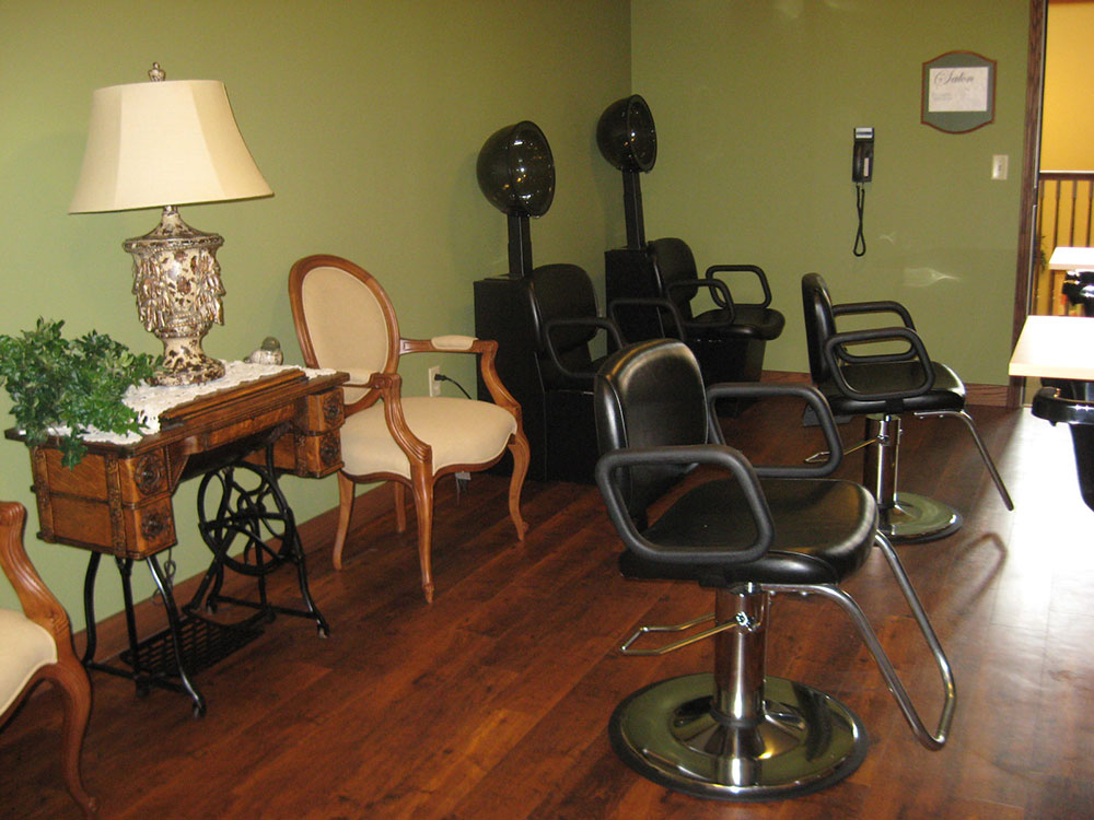 Beauty Salon | Castle Manor - Lincoln, Illinois