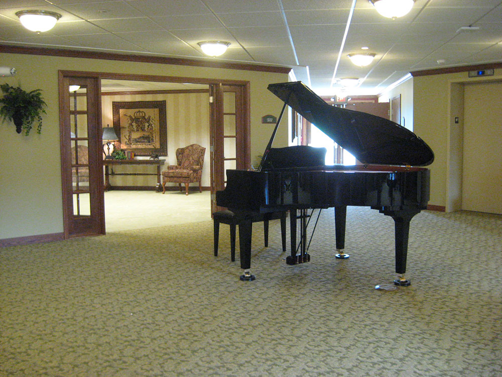 Grand Piano | Castle Manor - Lincoln, Illinois