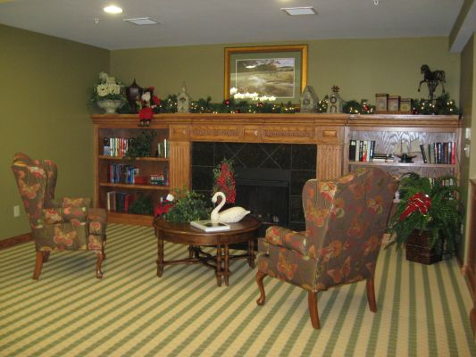 Fireplace Sitting Area | Evergreen Place – Litchfield, Illinois