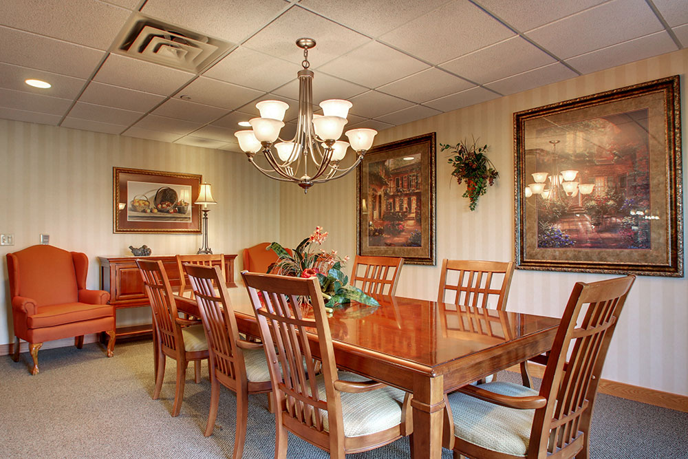 Dining Room Table | Evergreen Village - Normal, Illinois
