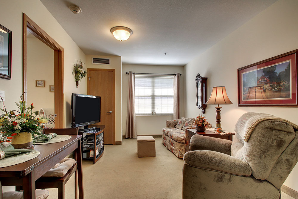 One Bedroom Sitting Area | Evergreen Village - Normal, Illinois